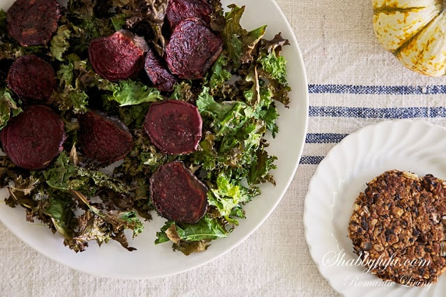 vegan-black-bean-burgers-kale-beet-chips