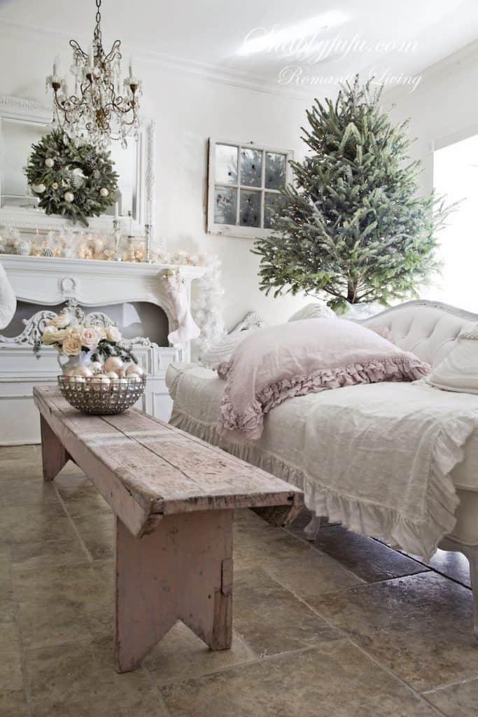 Elegant Pink Christmas Decorating Ideas - shabbyfufu.com