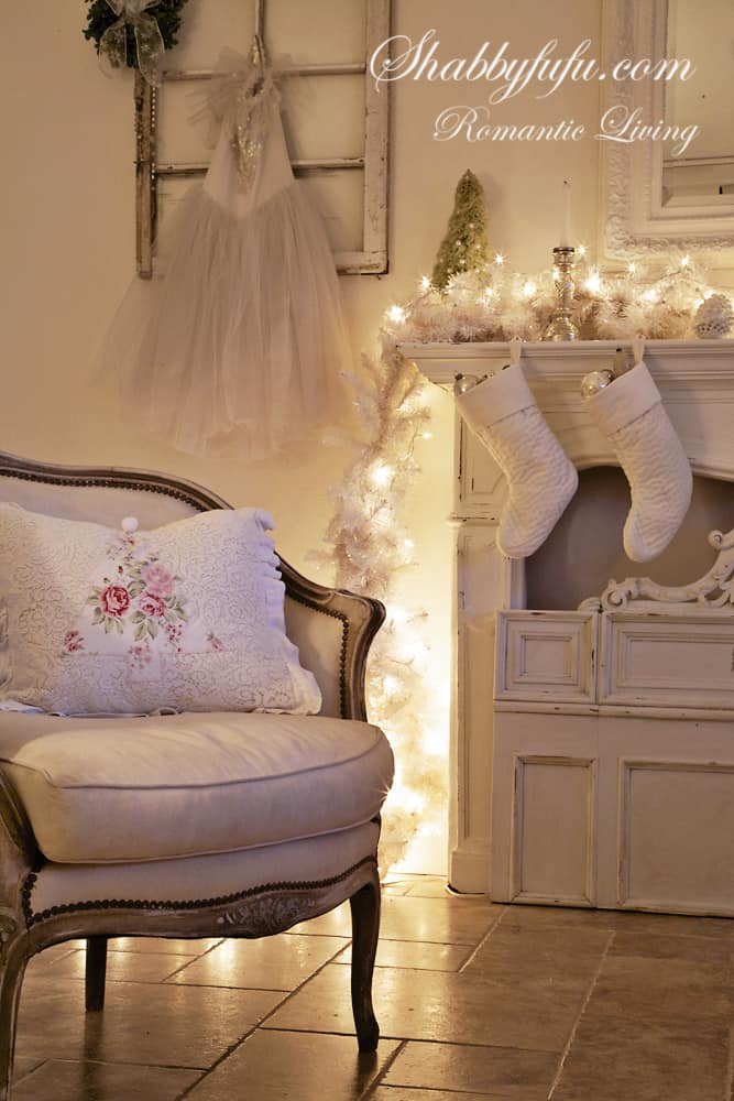 elegant pink christmas decorating ideas mantel