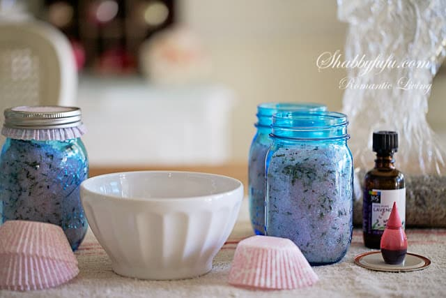 How to make a mason jar lavender salt soak for Epsom salt in french