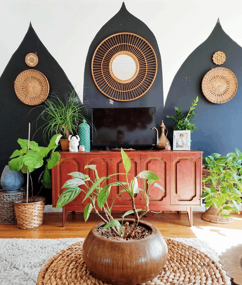 boho chic tv gallery wall