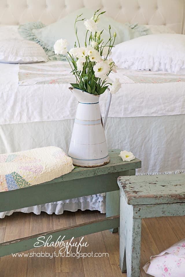 pretty-shabby-chic-bedroom-designs