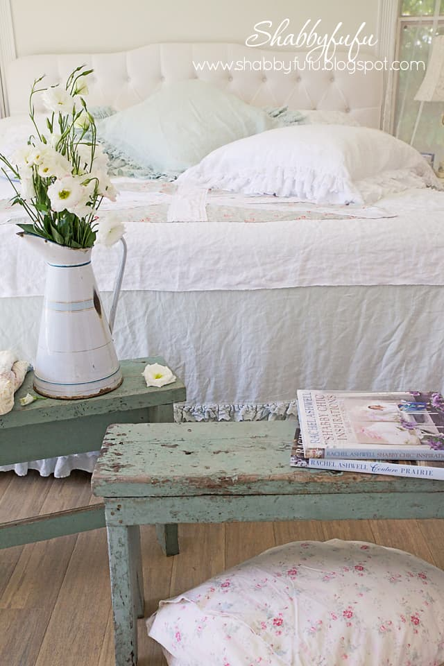 farmhouse bedroom styling