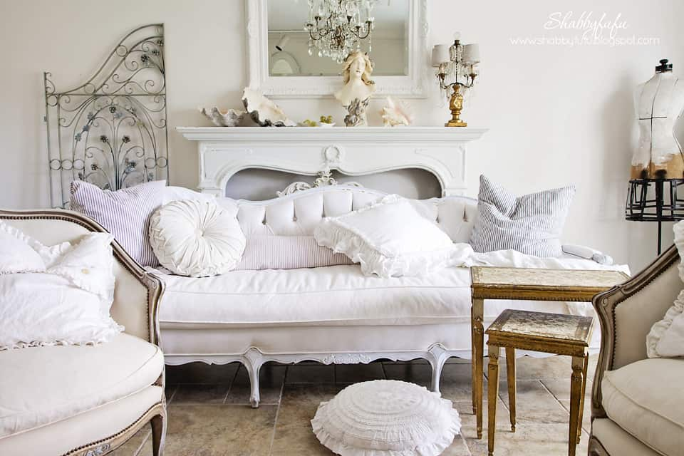 five minute styling tips - white room with accents of light mint green and off white