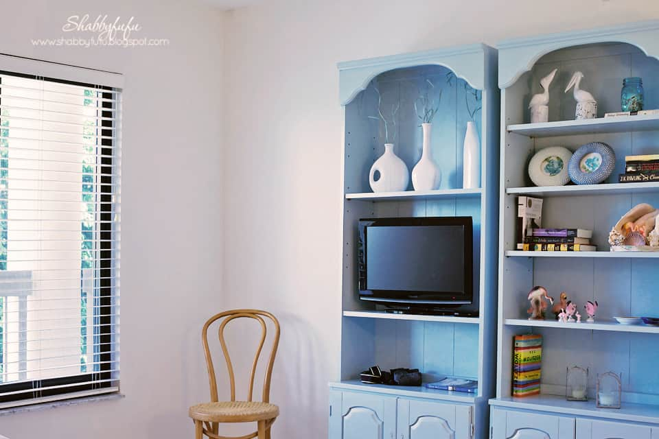 guest bedroom transformation - after! repainted bookcases painted with light blue paint