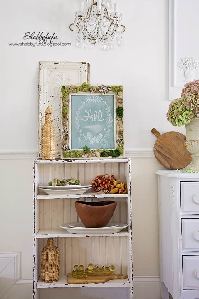 Create fall vignettes in your own home with a rustic fall chalkboard and rich fall colors.