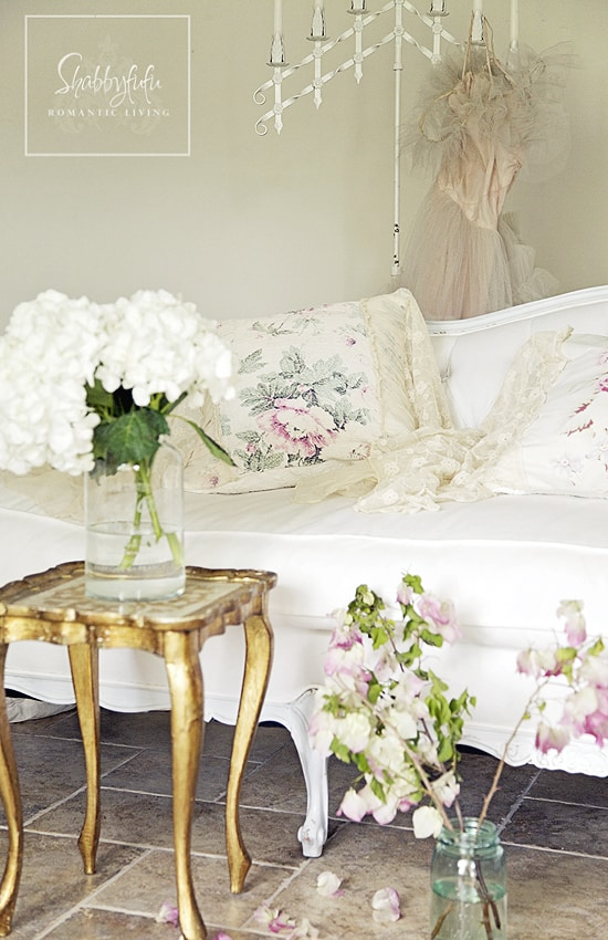 mix and match throw pillows with your furniture choices to add a touch of elegance and shabby chic style.