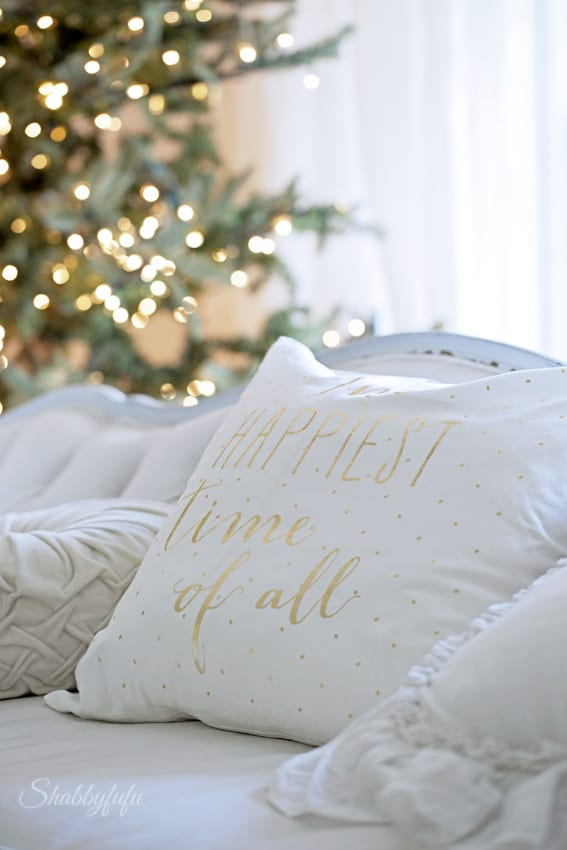 how to decorate for christmas on a budget - How To Decorate For Christmas On A Budget