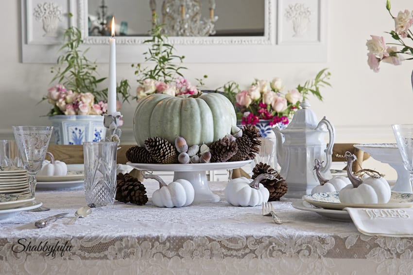 how to style a table for thanksgiving