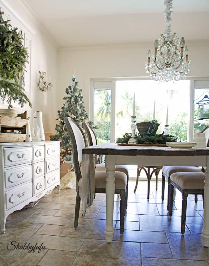 French Country Rustic Elegant Christmas Dining Room - shabbyfufu.com