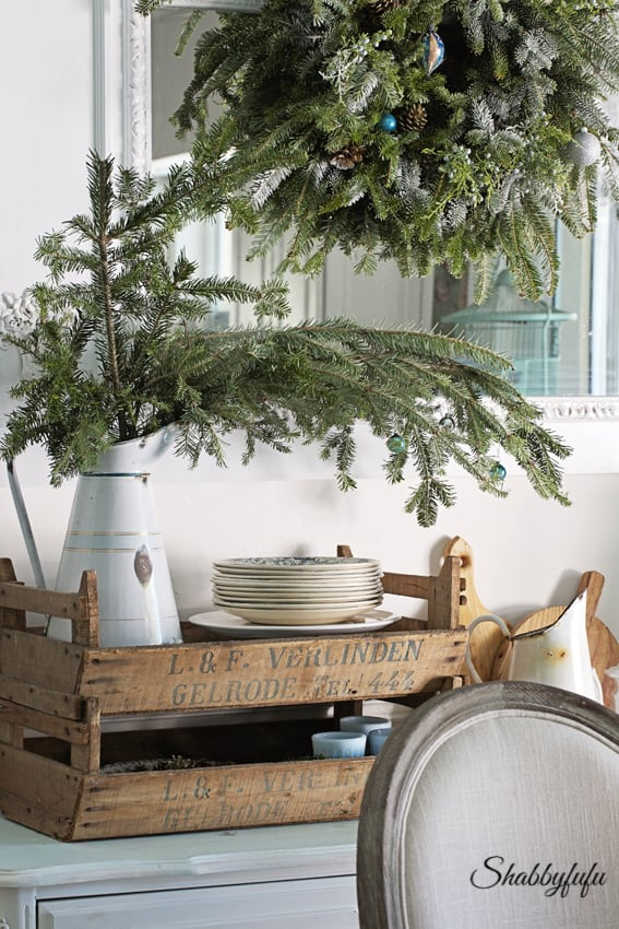 Country French farmhouse christmas decor in a shabby chic dining room by Shabbyfufu. #christmasdecor #frenchcountry #farmhousechristmas