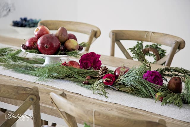 create a christmas garland from grocery store items