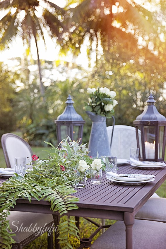 elegant outdoor dining