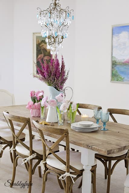 beach house shabbyfufu - how to brighten up a room: add some bright flowers, open the windows, and let the natural light in!