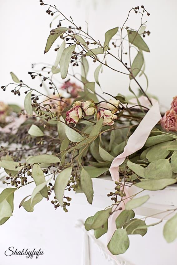floral garland with ribbon wedding ideas