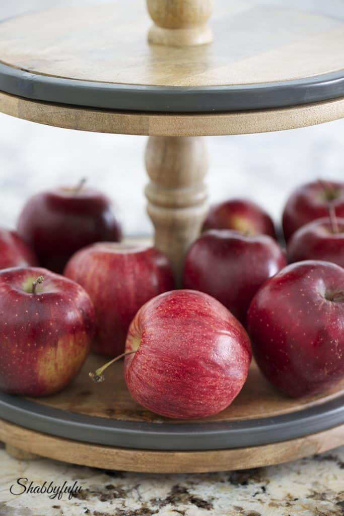 apples on a tray