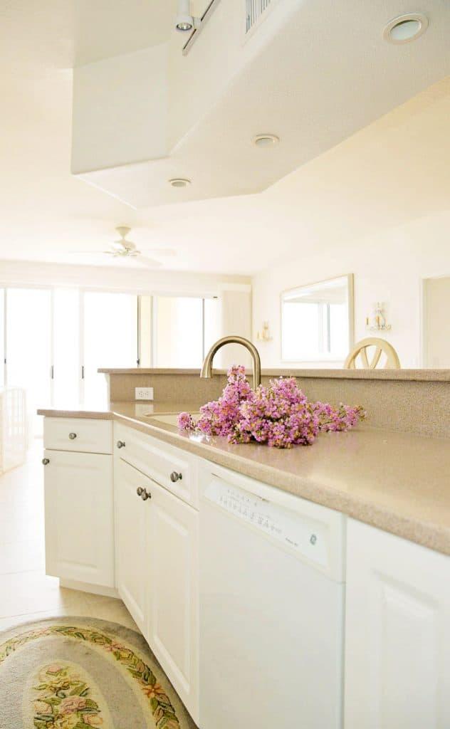 beach house open floor plan kitchen