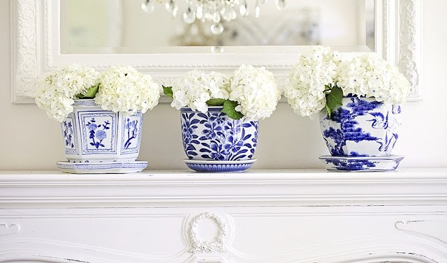 chinoiserie cachepots with flowers
