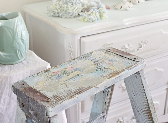 vintage wallpaper crafts