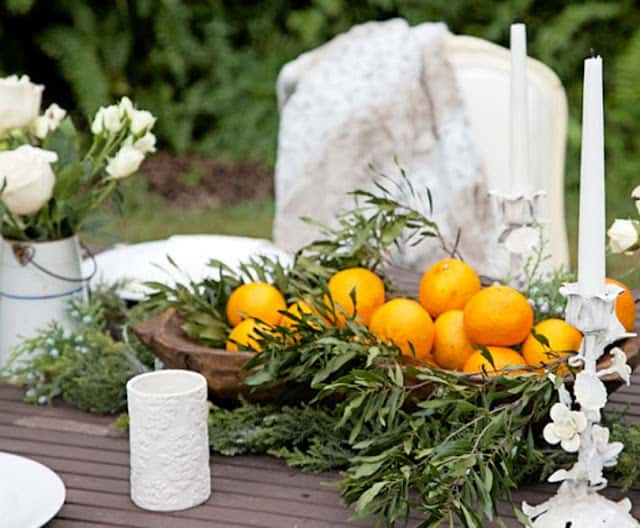 table-doughbowl-oranges-roses