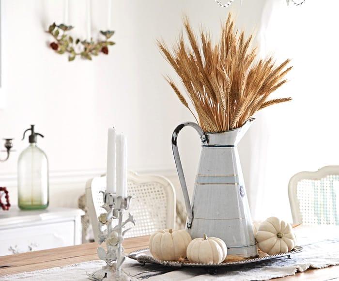white-farmhouse-decorating-ideas