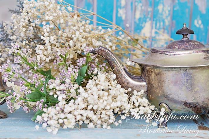 farmhouse-decorating-flowers