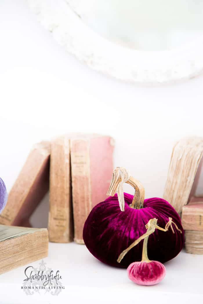 Decorate Your Fireplace Mantel For Fall Beautifully