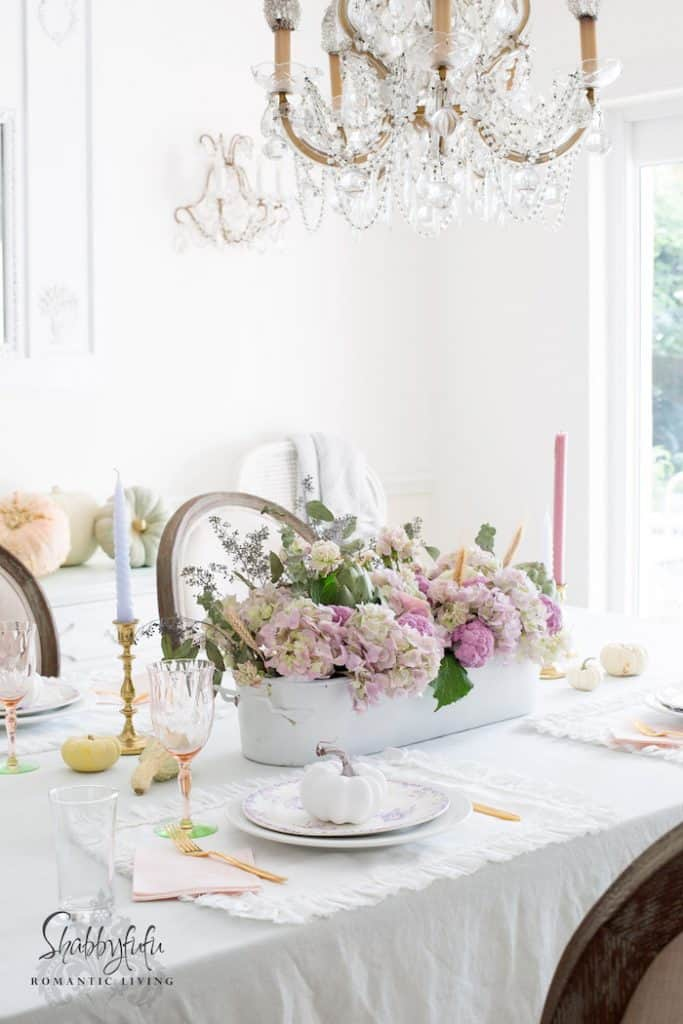 shabby chic table centerpiece pastel
