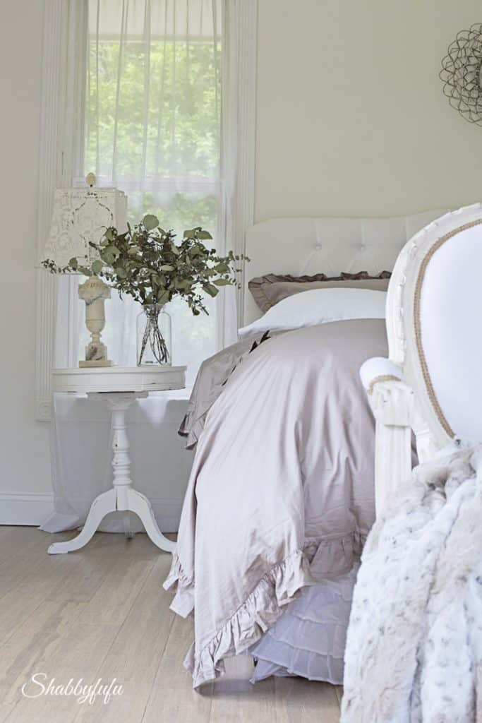 winter bedroom decorating