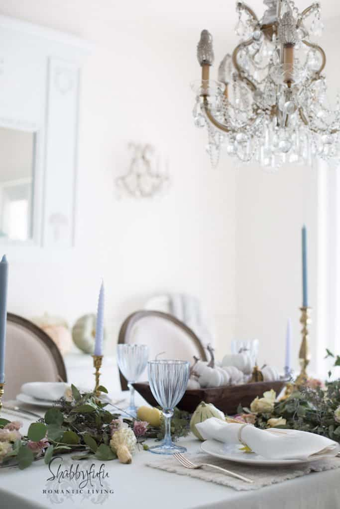 french country cottage table decorating