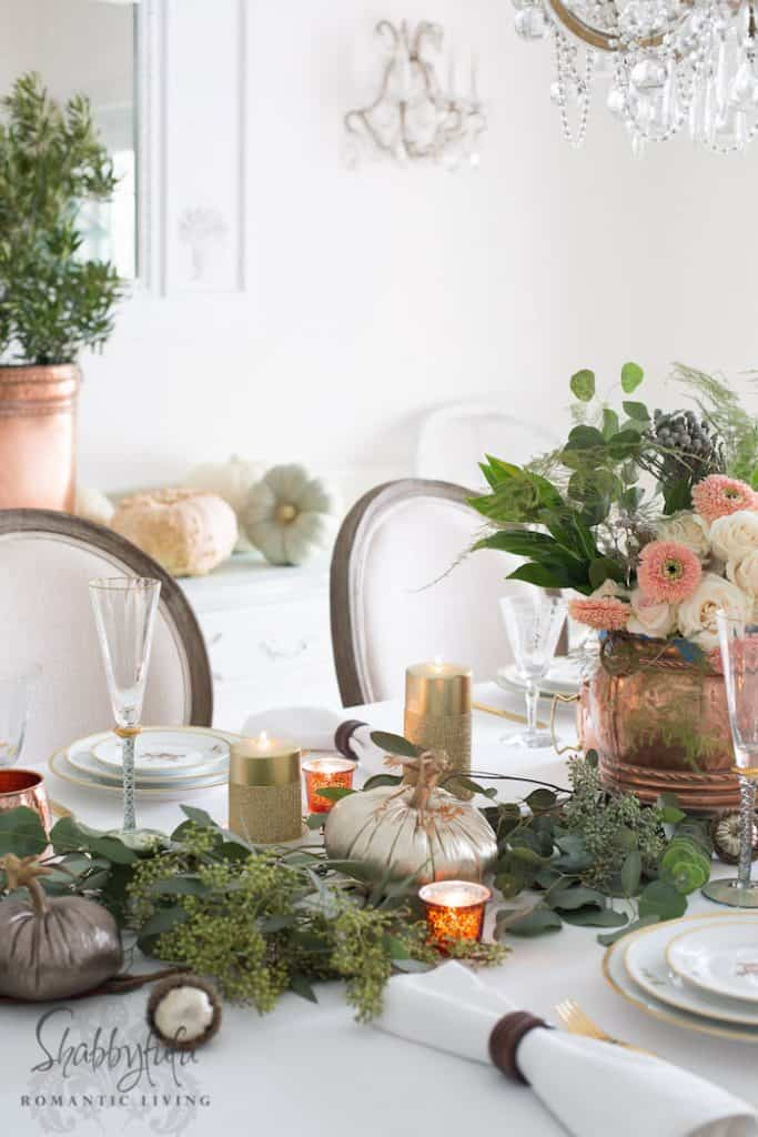 Thanksgiving Table Setting - Decor and Centerpiece