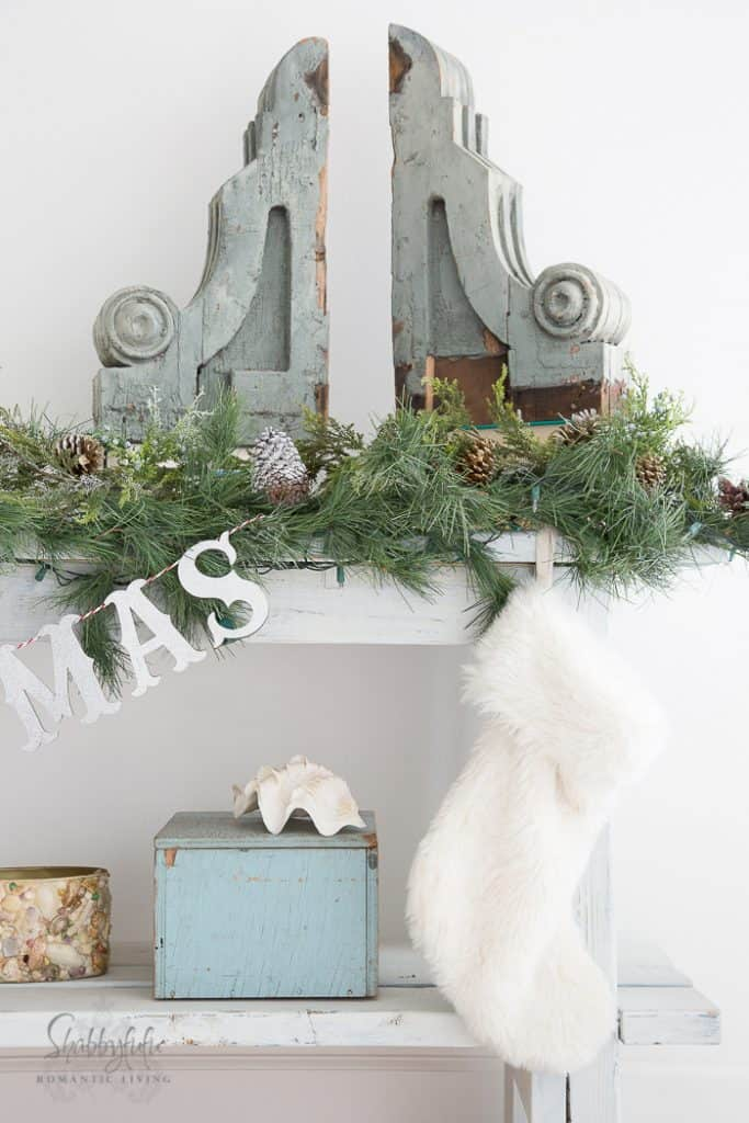 christmas-vintage-beach-holiday-decorating