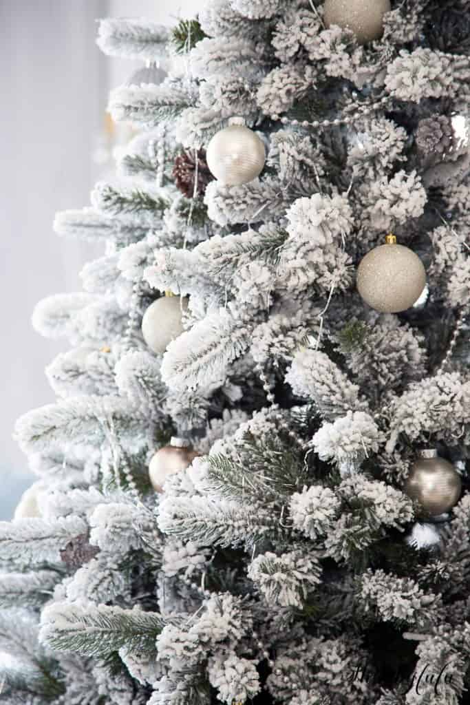 best-faux-flocked-christmas-tree