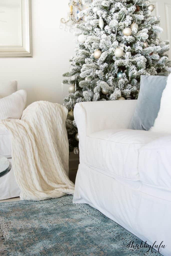 king-of-christmas-flocked-tree-shabbyfufu