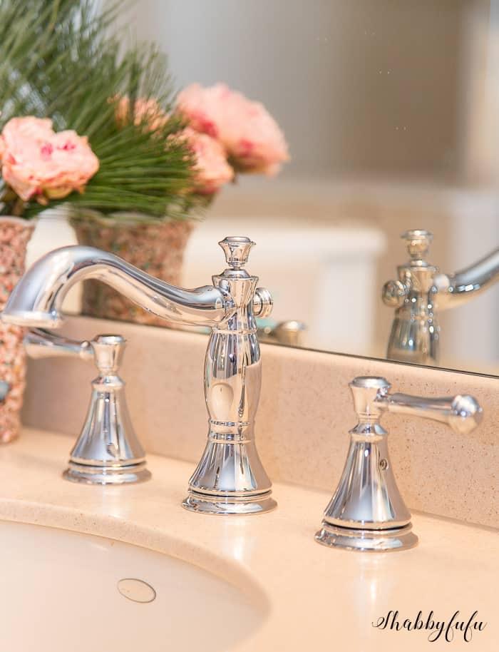 faucet set Delta Faucets