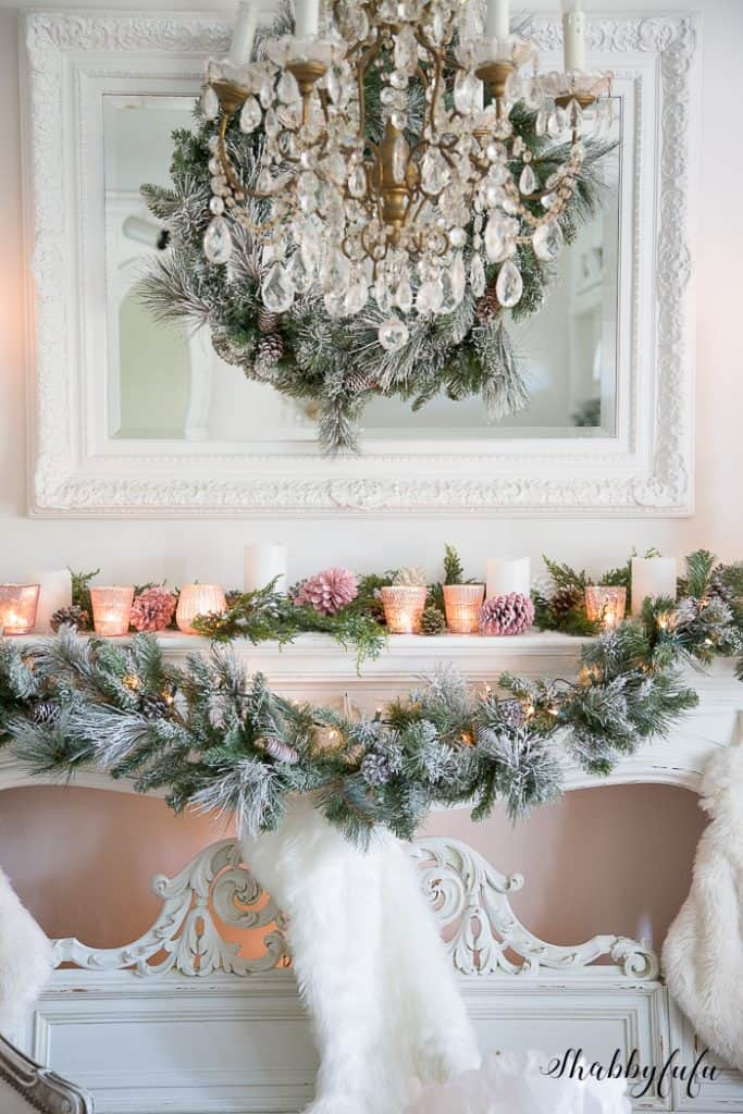 prettiest-christmas-mantel