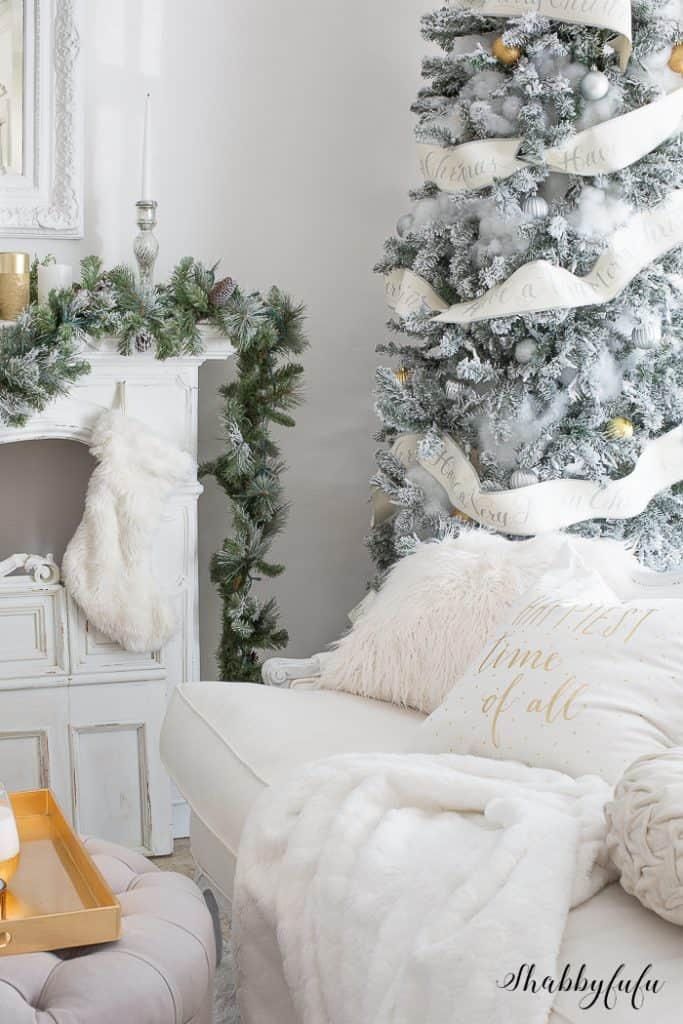 white-flocked-christmas-tree-@shabbyfufublog