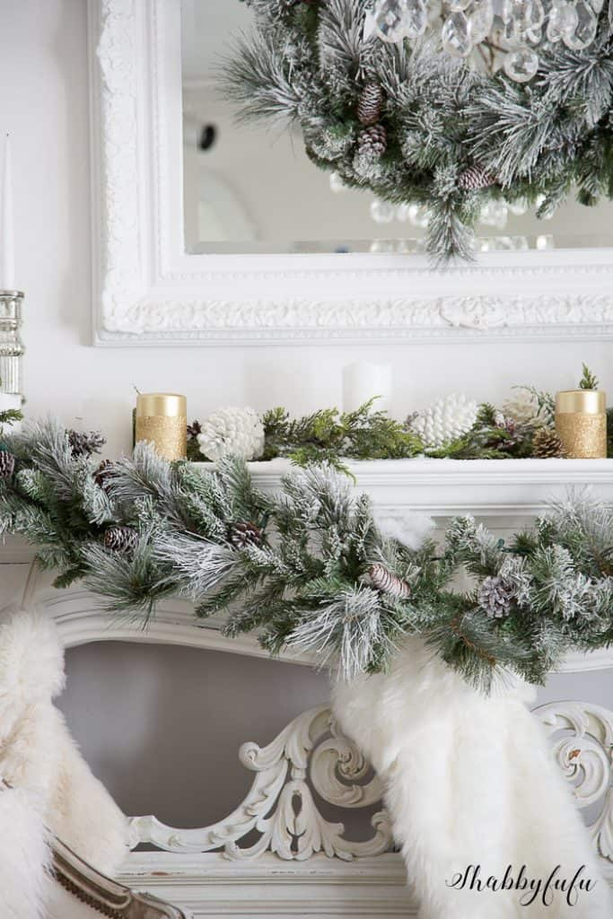flocked-christmas-wreath