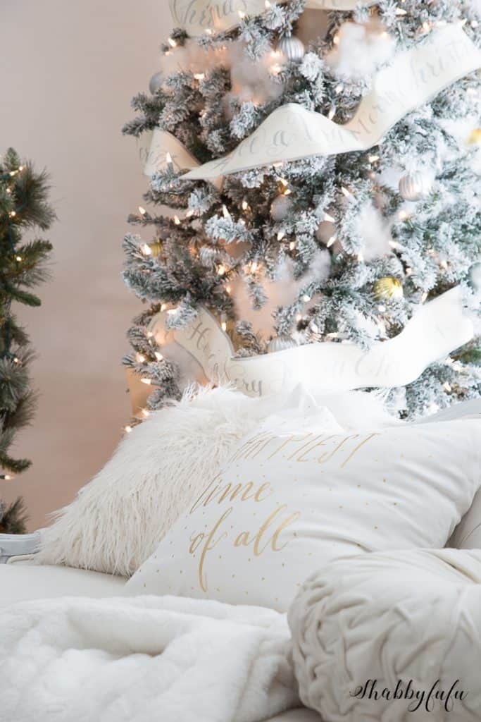 gorgeous-prelit-christmas-tree