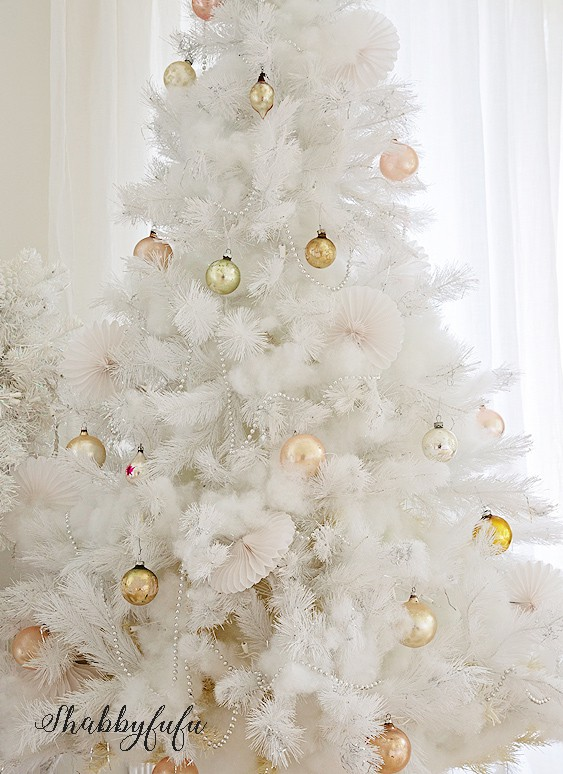 white christmas tree shabbyfufu