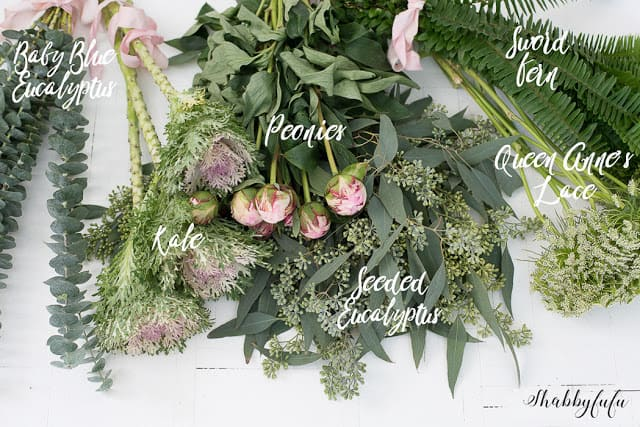 flatlay-of-flowers