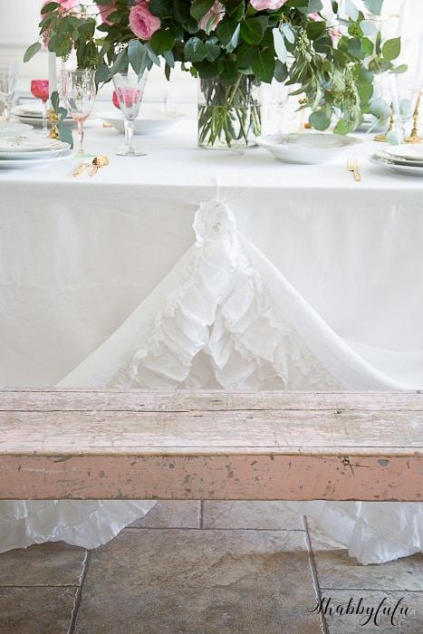 romantic table setting arrangements