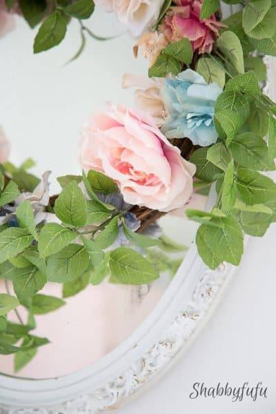 How To Make A Thrifty Wreath Look Elegant