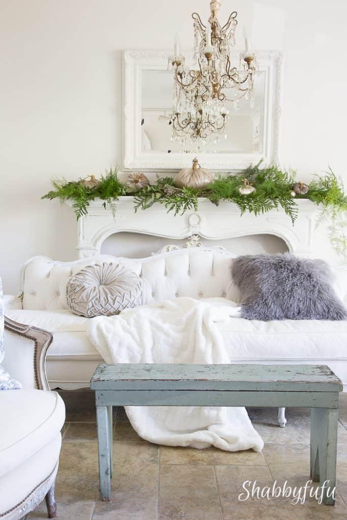 living room at shabbyfufu