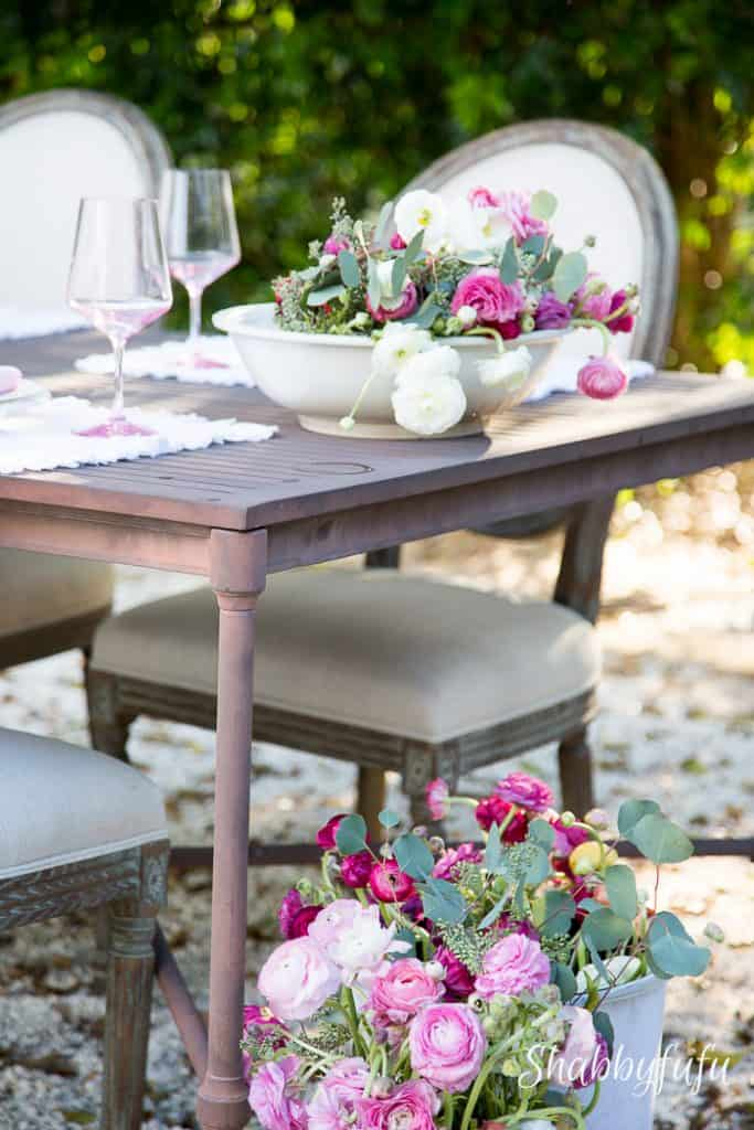 ranunculus outdoor dining
