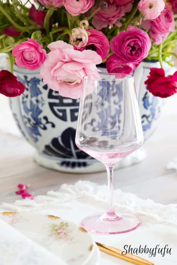 blush-pink-wine-glass-ranunculus