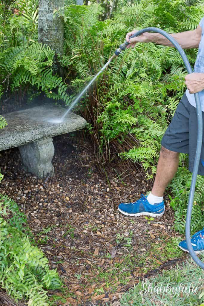 cleaning-outdoor-garden-bench