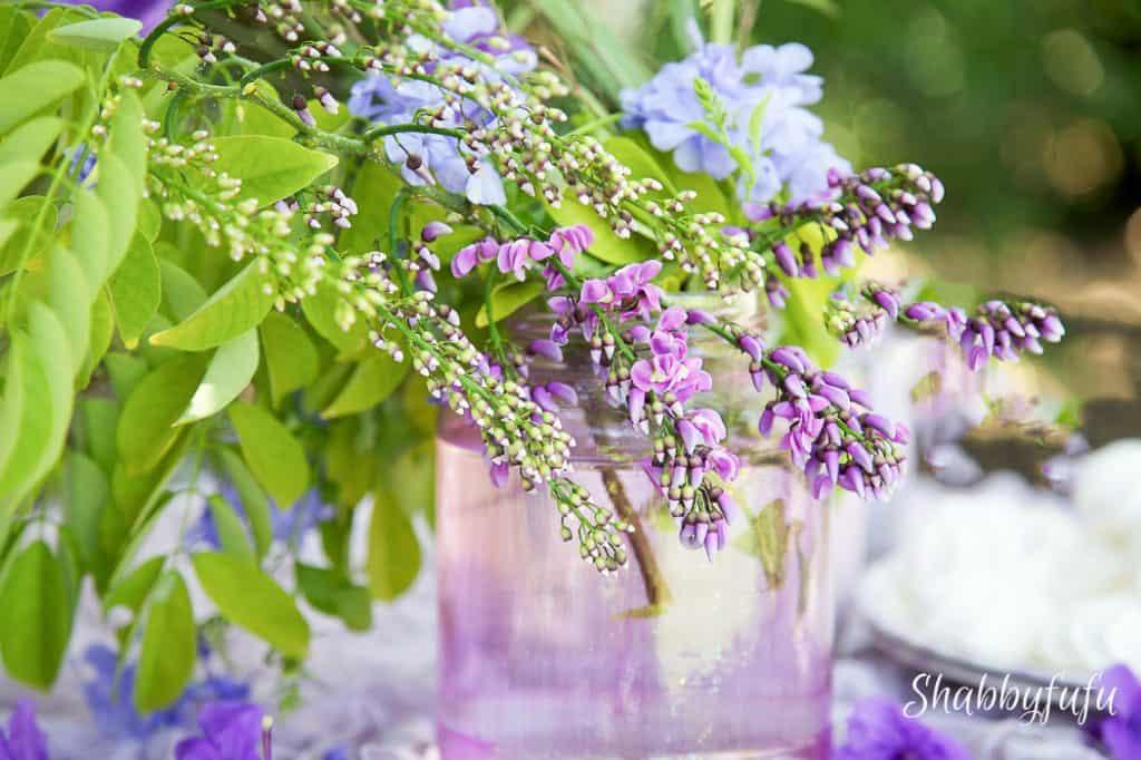 lavender table arrangement