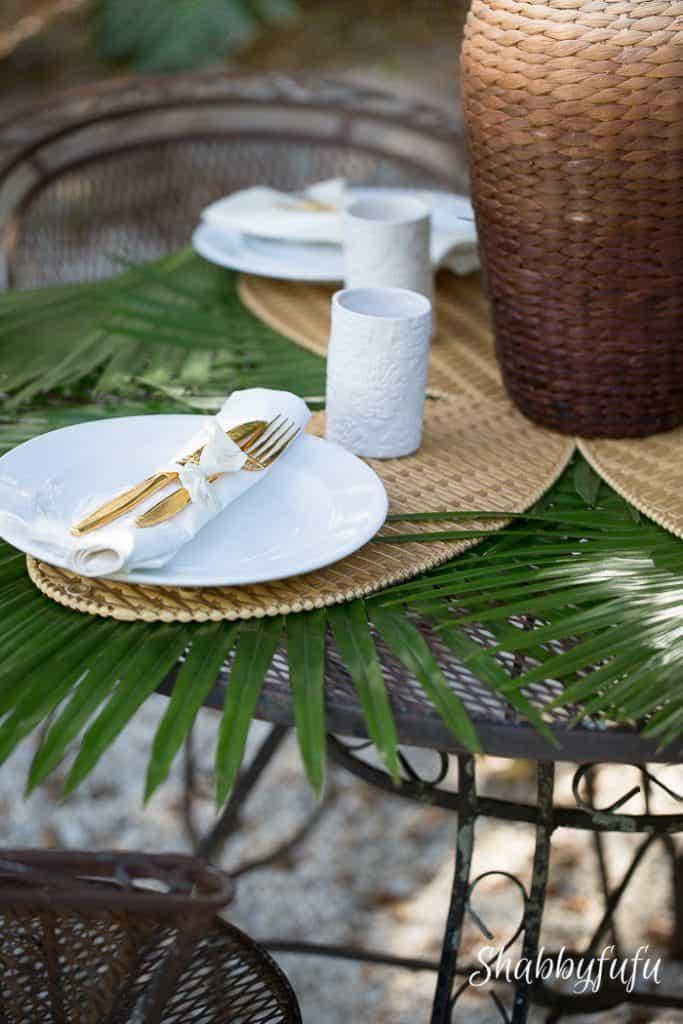 tropical-table-setting