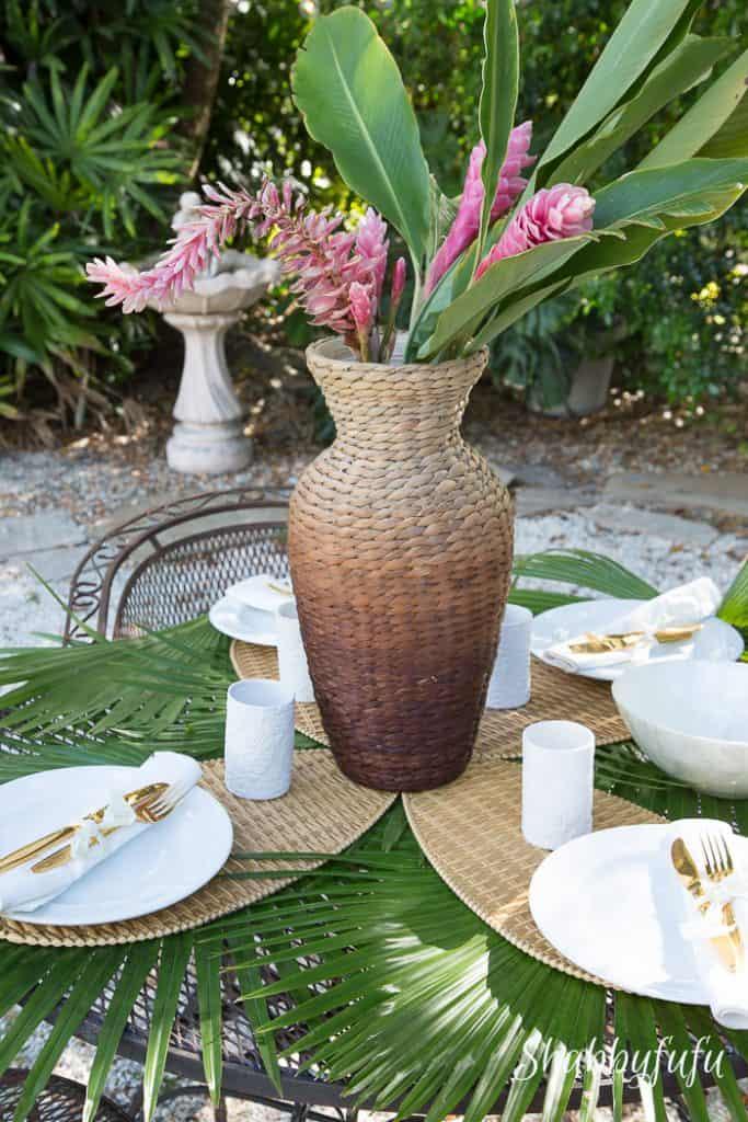 tropical-garden-centerpiece